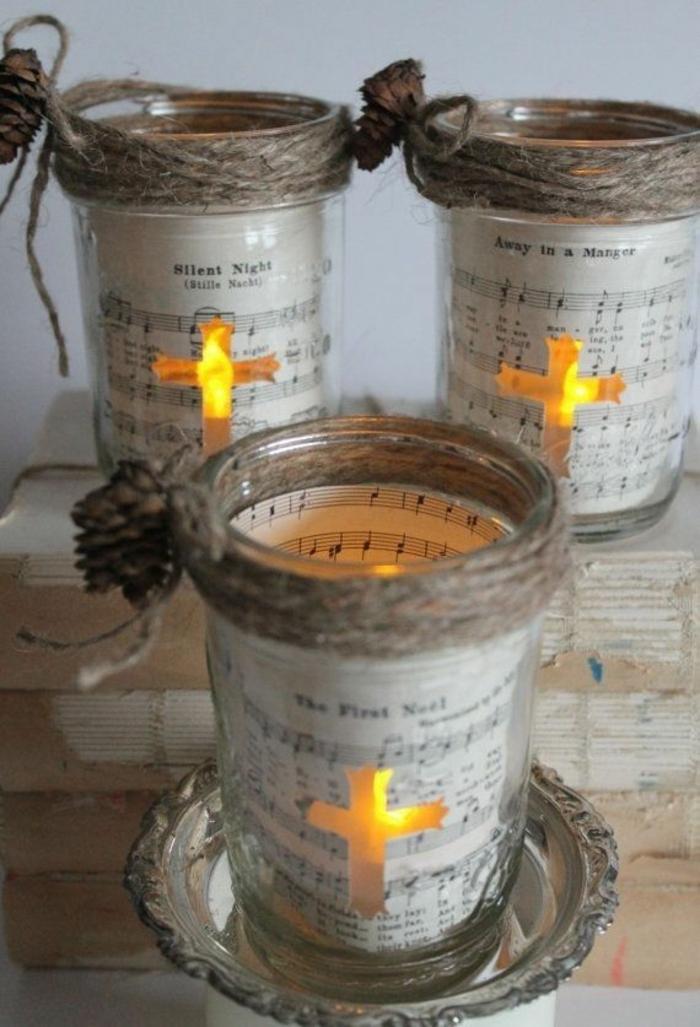 Gläser weihnachtlich dekorieren - mit Papier, Kerzen und Kreuzeb