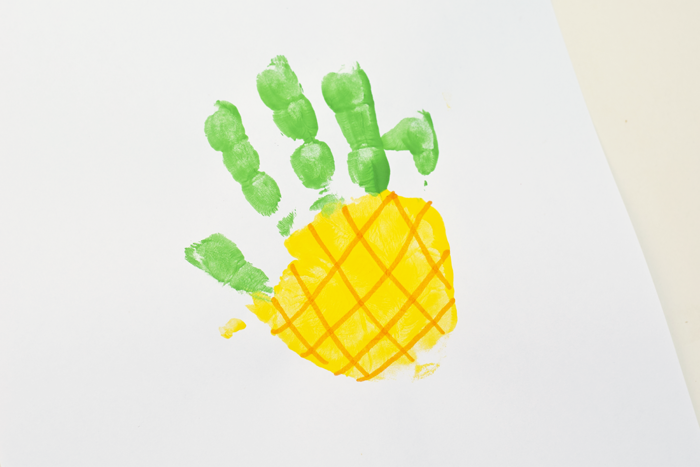 ananas - idee für ein schönes bild mit handabdruck