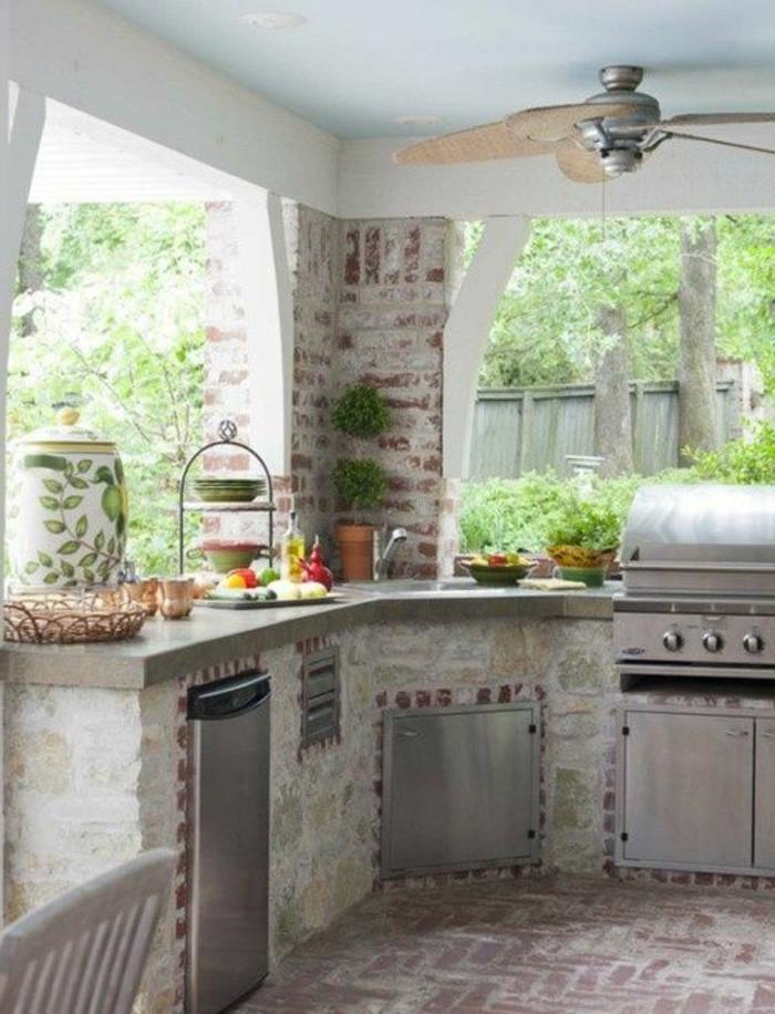 Sommer Grillküche im Landhausstil mit Ventilator