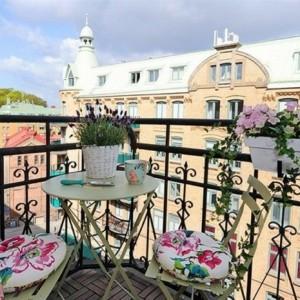 Schmalen Balkon gestalten und einrichten - die besten Tipps