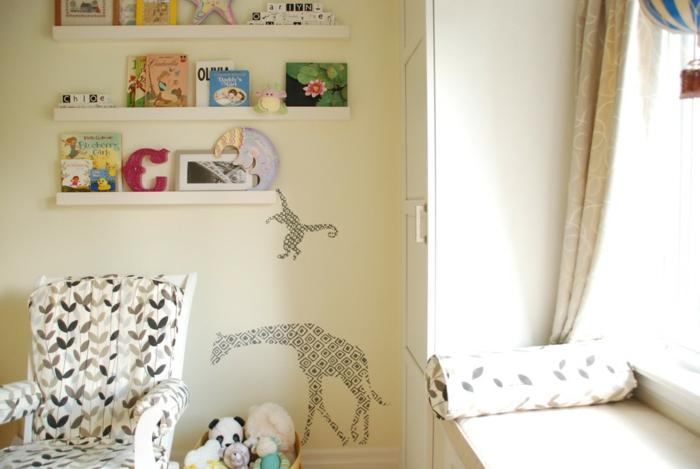 Kinderzimmer mit Ornamente - Bilderleiste dekorieren