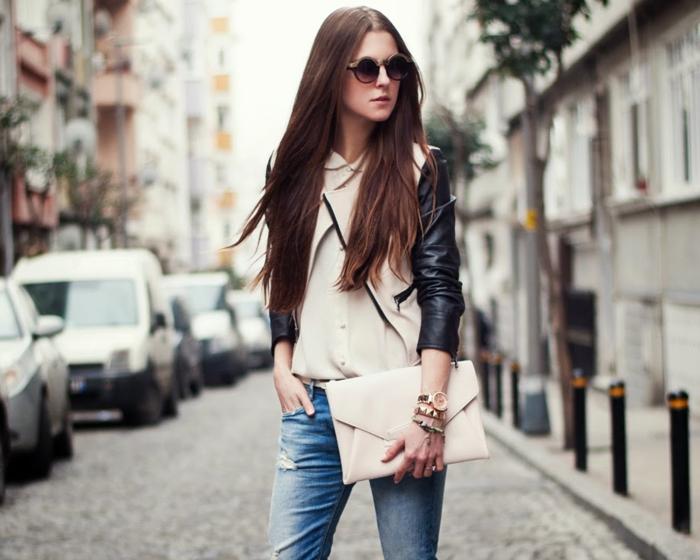 jeans klutch ledetärmeln jacke brille armbänder frau fotos machen sportlich elegant