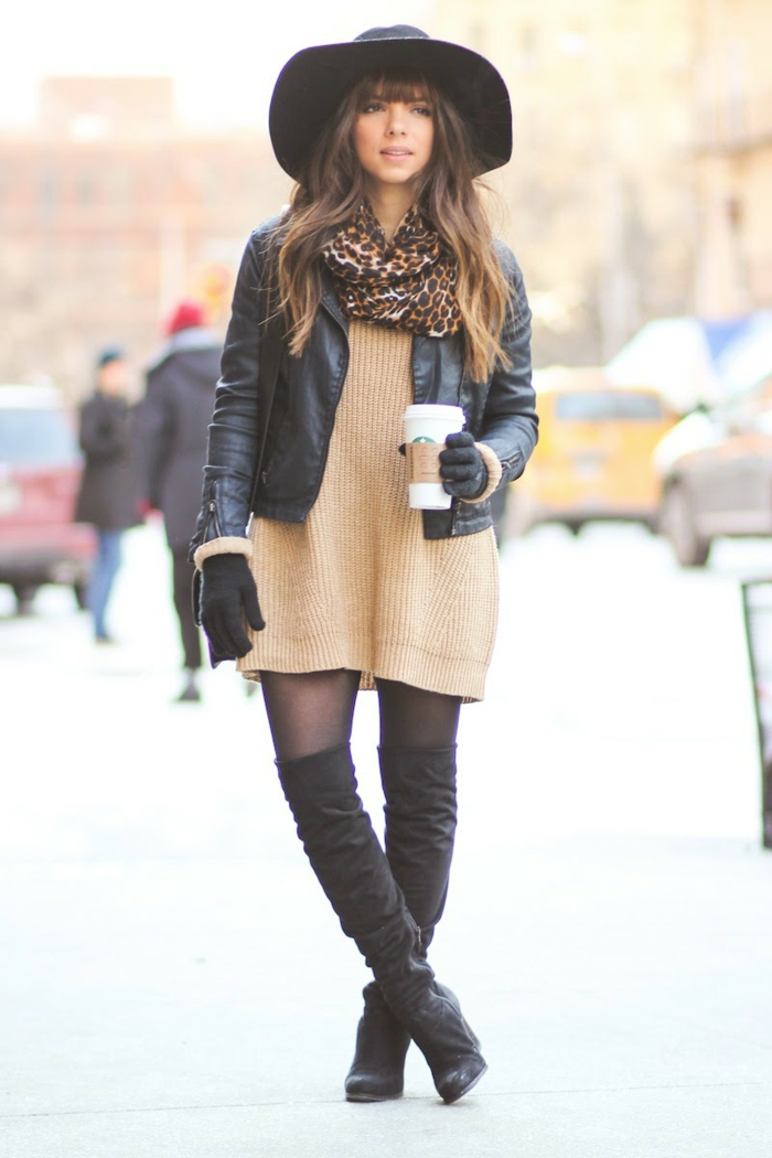 sportlich elegante kleidung kurzes kleid beige leo schall lederjacke hut hohe stiefel kaffee