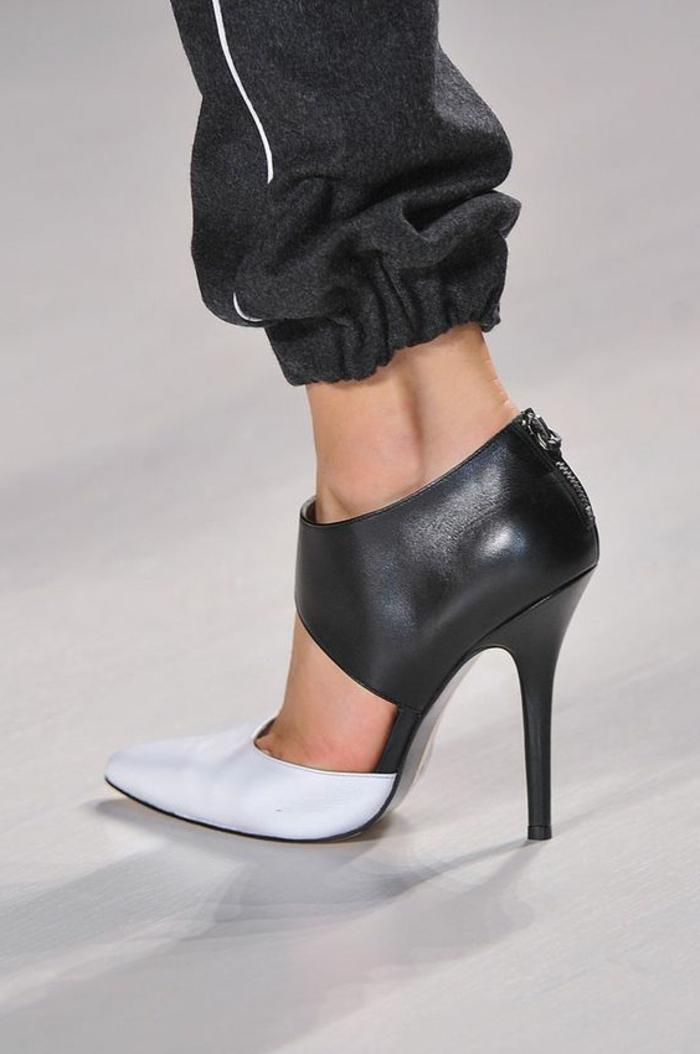sportlich schick absatzschuhe in schwarz und weiß sportanzug modepodium ausgefallene idee