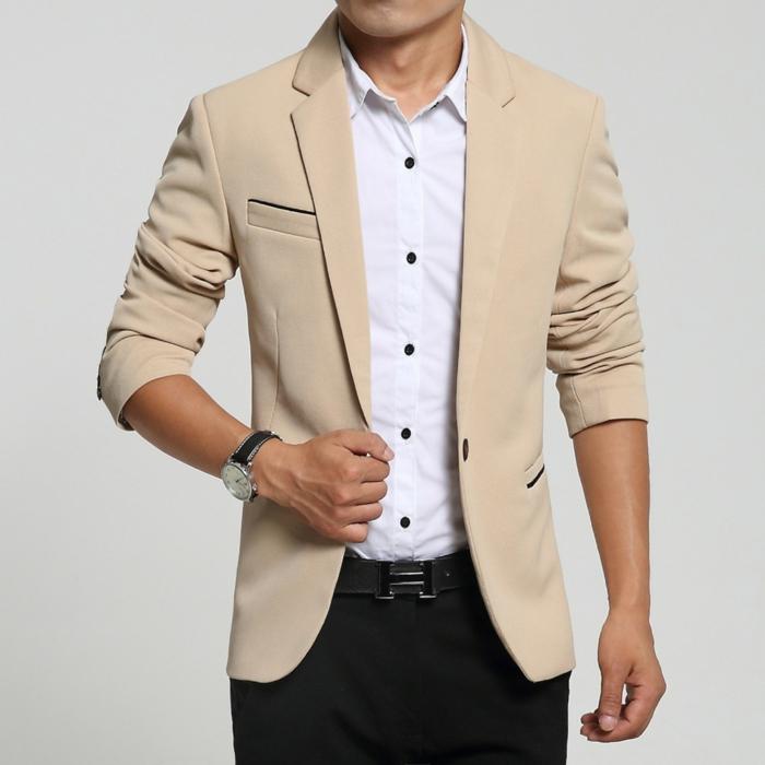elegant dezent und trendy mann stil schwarze hose beige cremefarbe blazer armbanduhr schwarz