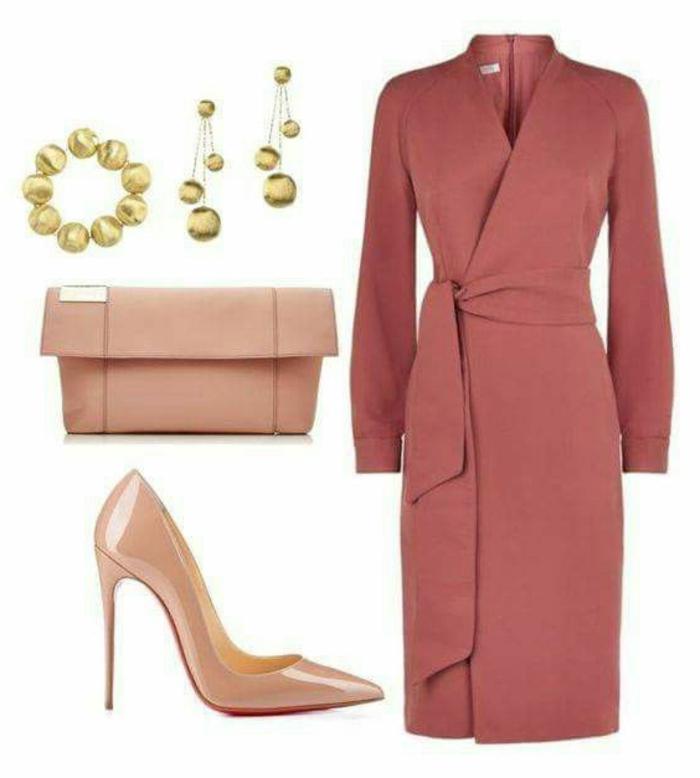 businesskleider-damen-trendy-outfit-in-rosa-und-golden-rosa-schuhe-absaetze-ohrringe-tasche