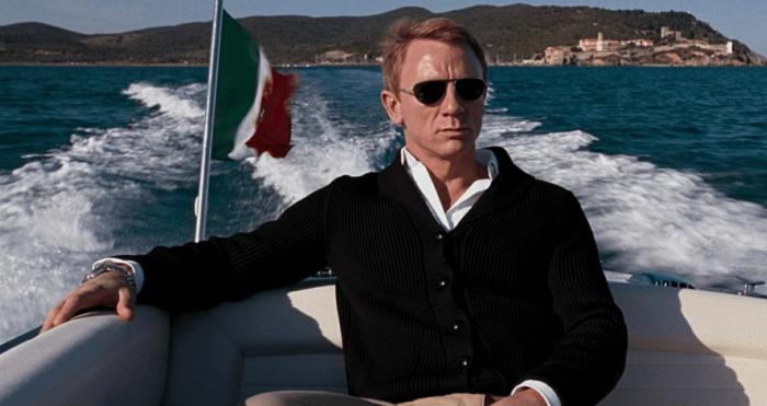 lass alle männer wie daniel craig aussehen und handeln supermann james bond in italien