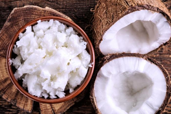 DIY Creme mit Kokosöl gegen rissige Hände