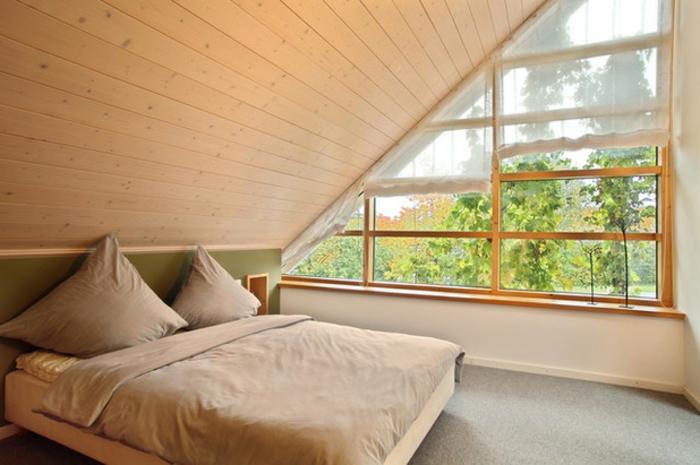 1001 ideen f r dachfenster gardinen und vorh nge - Zimmer gema tlich gestalten ...