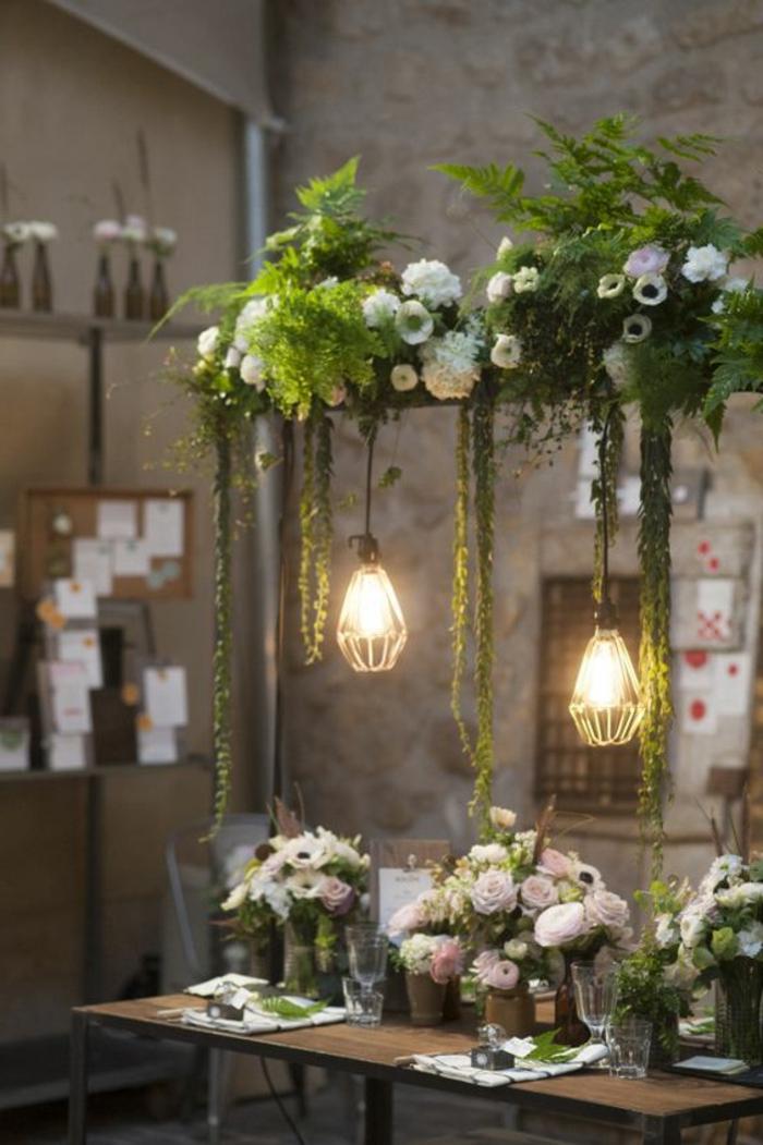 dekoideen-frühling-schminktisch-mit-lampen-die-hängen