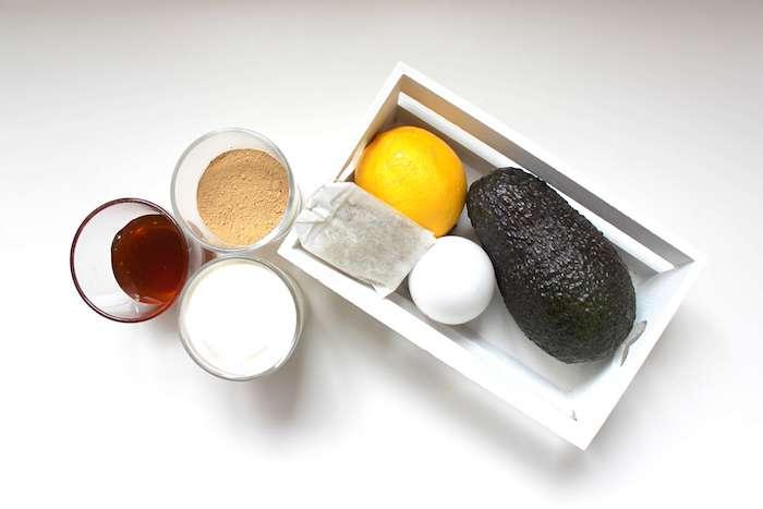 diy gesichtsmasken selber machen zutaten für feuchtigkeitsmaske anti pickel maske selber machen frische zitrone avocado ei milch verwenden