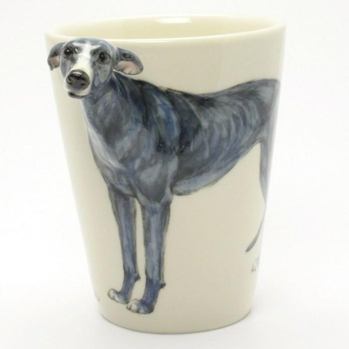 diy-tasse-mit-einem-niedlichen-grauen-hund-in-weißem-hintergrund