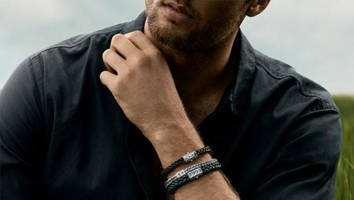 hemd schwarzes hemd mit armband armbänder schöner mann mit bard business casual
