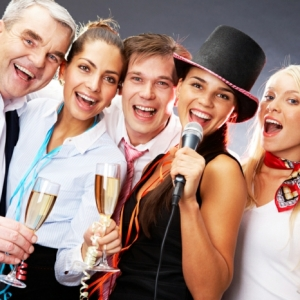 Dresscode festlich - was kann man an einer Firmenparty tragen?