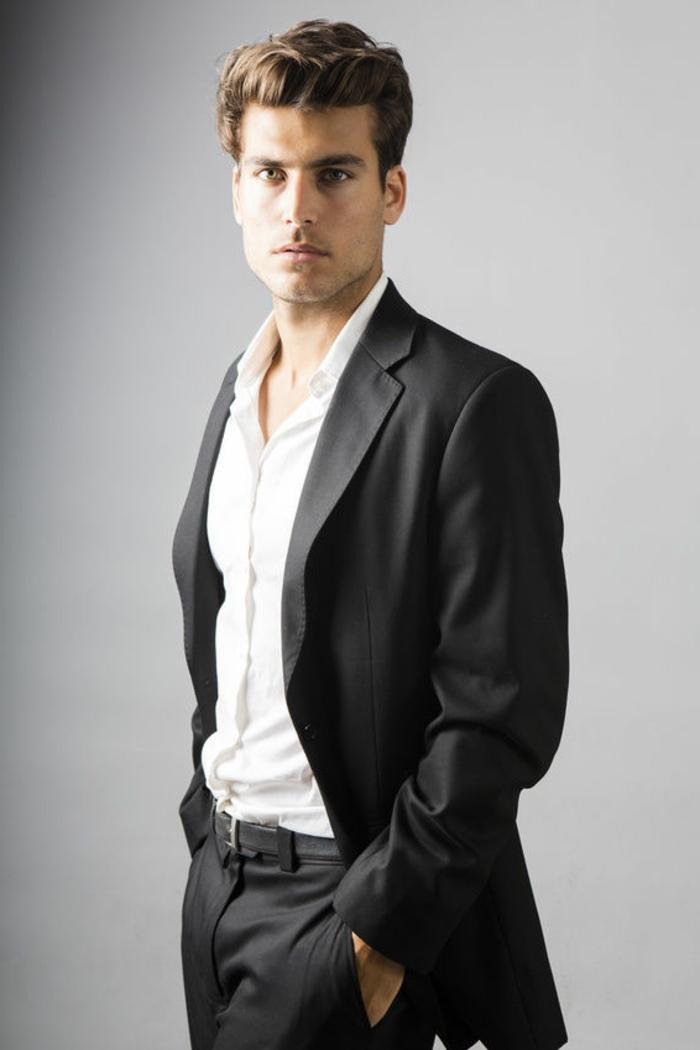 dresscode casual bei einer party braucht man keine krawatte tragen schwarzer anzug weißes hemd