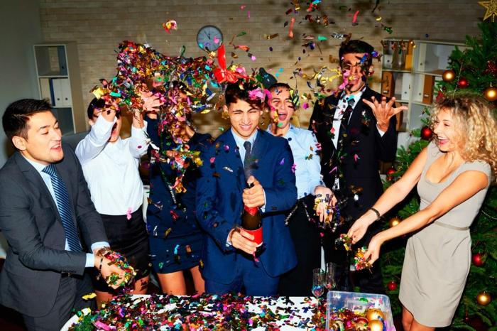 dresscode casual bei der arbeit wenn die party außer kontrolle geht dann ist sie gut genug büro party