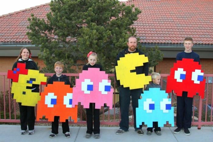 Gruppenkostüme Ideen aus einem bekannten Spiel für eine Familie