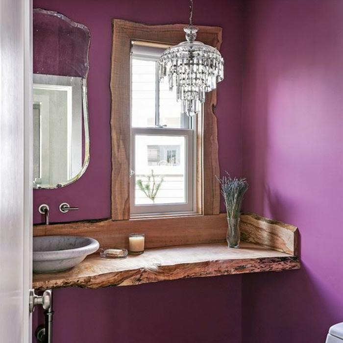 lila badezimmer marmor waschbecken fensterbank innenrustikal