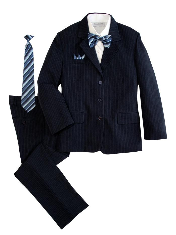 fliege-anzug-blauer-anzug-mit-fliege-ideen-fuer-design-und-gestaltung-von-eleganter-bekleidung