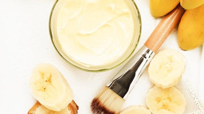 gesichtsmaske selber machen maske diy anti pickel maske diy maske gesicht bananen maske selber machen schüssel mit bananen püree pinsel für masken