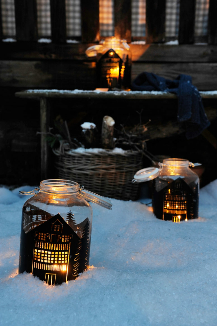 Gläser weihnachtlich dekorieren- draußen in die Schnee setzen, Wie Häuschen mit Leuchten