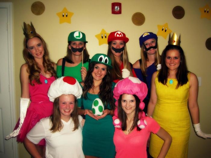 Lustige Gruppenkostüme wie alle Helden von Super Mario in Frauen Variant