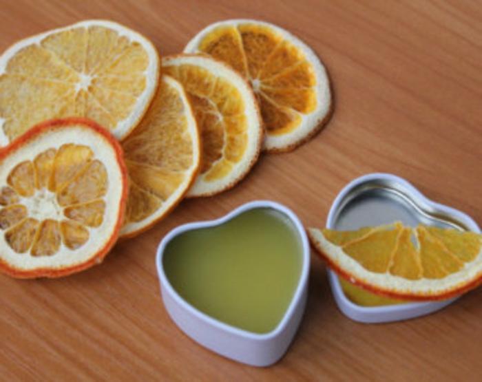 Handcreme mit Extrakt von Zitronen und Orangen