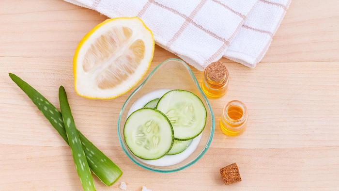 hausmittel für gesichtsmaske gegen rötungen anti pickel maske selber machen mitesser maske diy masken gegen pickeln honig aloe vera und zitrone