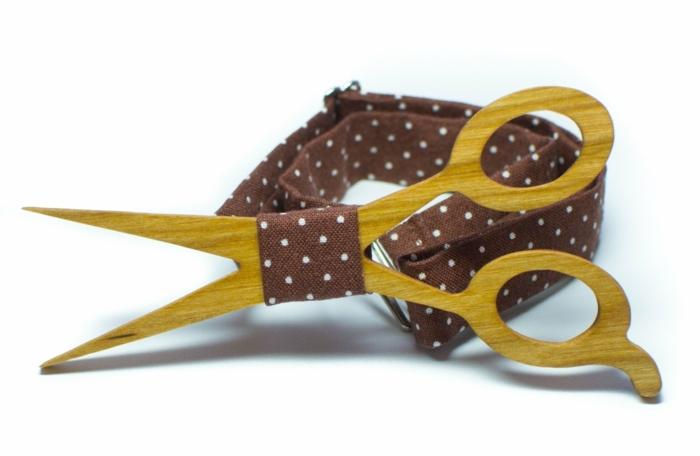 hemd-mit-fliege-fliegedesign-wie-schere-braune-schleife-gepunktet-frisoer-bekleidung
