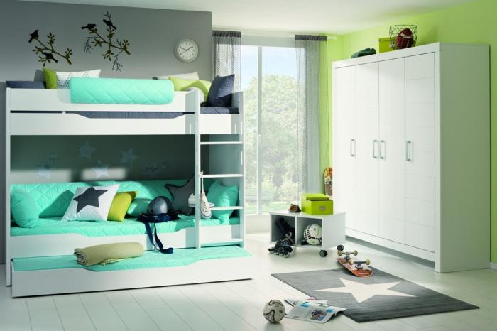 buntes kinderzimmer für junge grüne farbe und türkis kombinieren kissen mit stern deko teppich