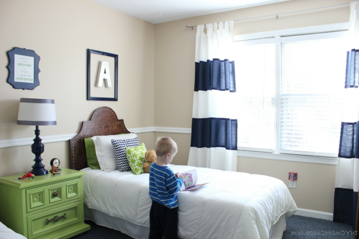 kinderzimmer schrank idee. Black Bedroom Furniture Sets. Home Design Ideas