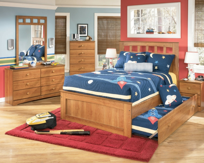 kinderzimmer ideen jungs braun und rot blaue decke hölzerne möbel kleiderschrank baseball
