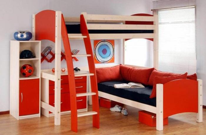 jungenzimmer gestalten kinderzimmer gestaltungsideen rot und beige sofa sessel bild anhänger schrank