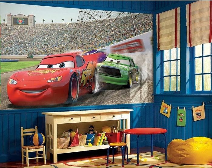 jungenzimmer gestalten ideen großes fotobild autos schrank tisch roter wagen grunes auto deko