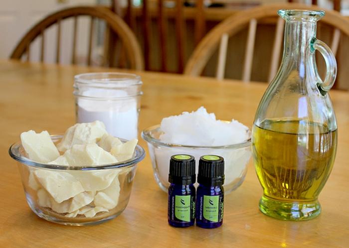 Handcreme mit Kokosbutter, Olivenöl und ätherischen Ölen