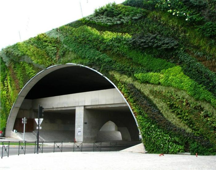 Moos wird auch für Verschönerung der Infrastruktur benutzt
