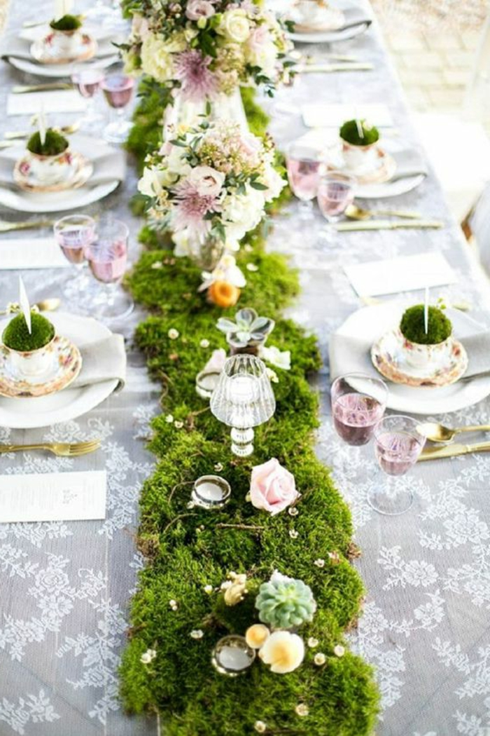 moosdeko-hochzeit-tischdeko-für-outdoor-wedding