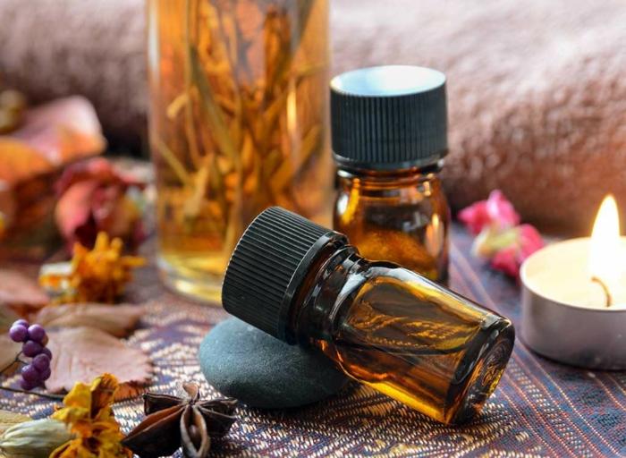ätherische Öle und andere Zutaten für festes Shampoo