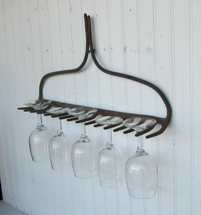 coole DIY Idee für einen Regal für Weingläser