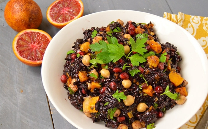schwarzer reis rezept kichererbse petersilie kartoffel nüsse granatapfel rezepte gesundheit