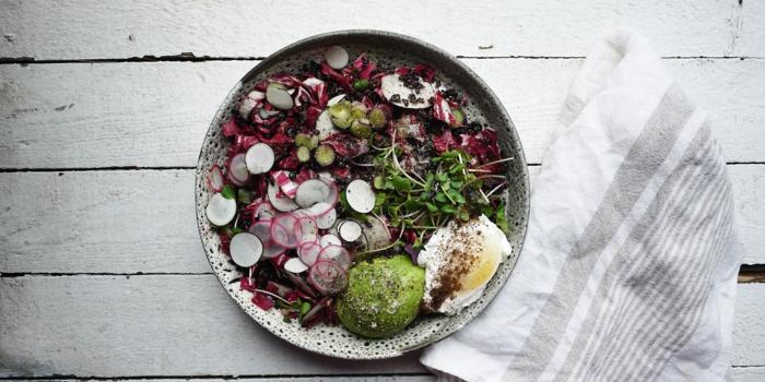 schwarze reis einfache rezepte allerlei frische gemüse und reis alles zusammen durchmischen salat