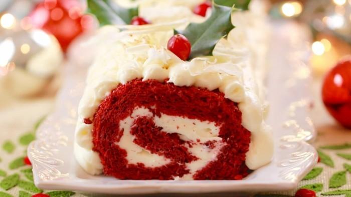 roter-kuchen-schoene-idee-zu-weihnachten-am-nachmittag-mit-der-familie-zusammen-feiern-roter-samtkuchen-rollkuchen-backen