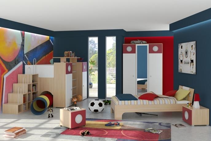 kinderzimmer einrichtung ideen für junge rutschbahn im jungenzimmer viele spielzeuge fußball