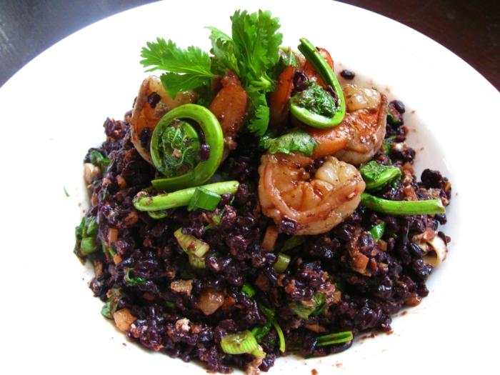 rezept schwarzer reis antioxidansmittel garnelen petersilie zwiebel gemüse reis kochen idee