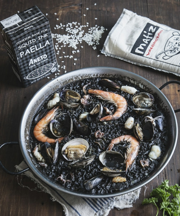 schwarzer reis kochen ideen garnelen muscheln paella selber kochen ideen zubereitung prozess