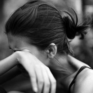 60 traurige Bilder und Sprüche, die Sie zum Weinen bringen!