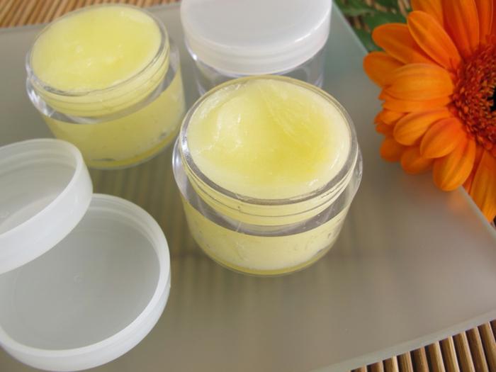 Handcreme mit Extrakt von Gerbera für weiche Haut