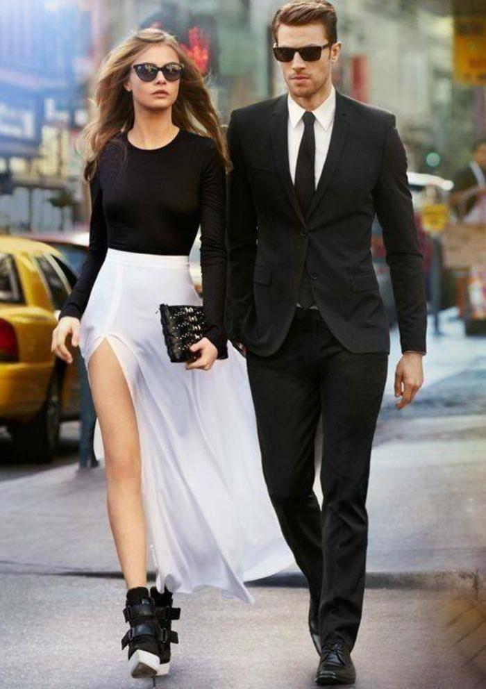 smart casual damen smart casual herren elegantes paar frau und mann anzug rock bluse clutch