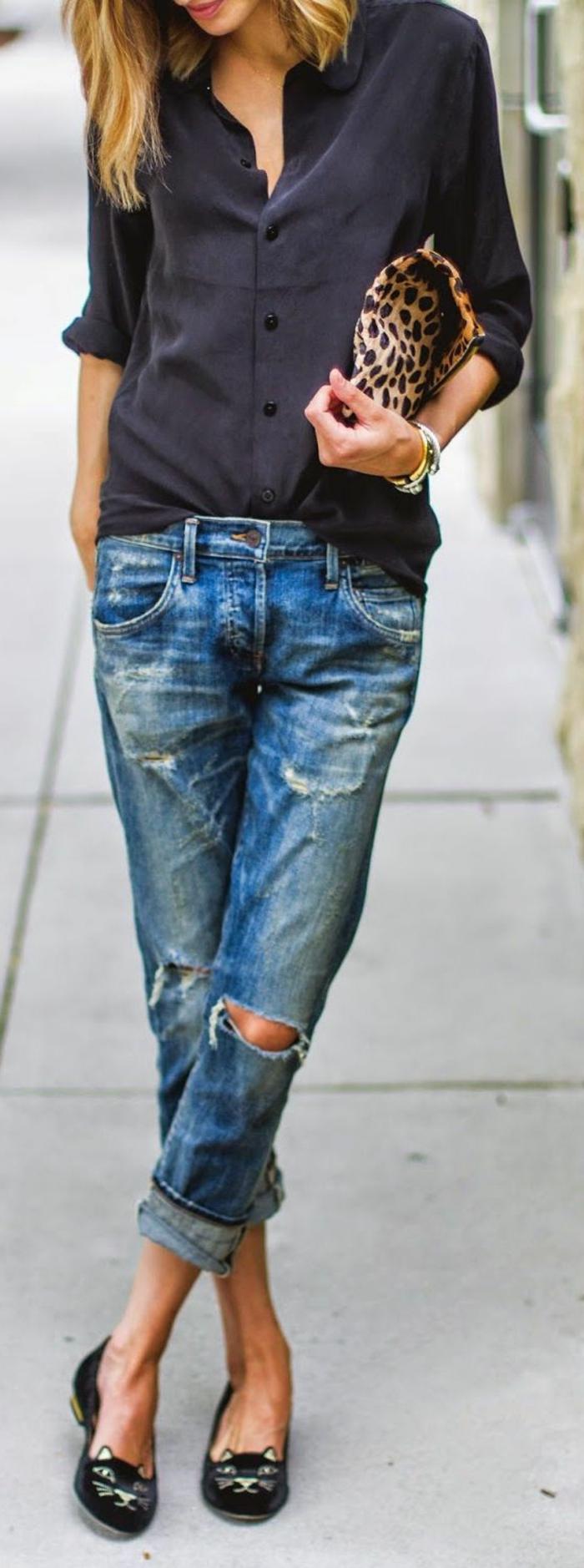 sportlich elegante kleidung jeans hemd in schwarz katzenschuhe katze motiv auf schuhe leotasche
