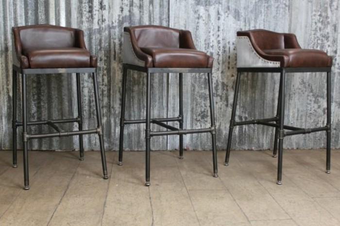 stuhl-industrialdesign-leder-schwarz-braun-metallbeine